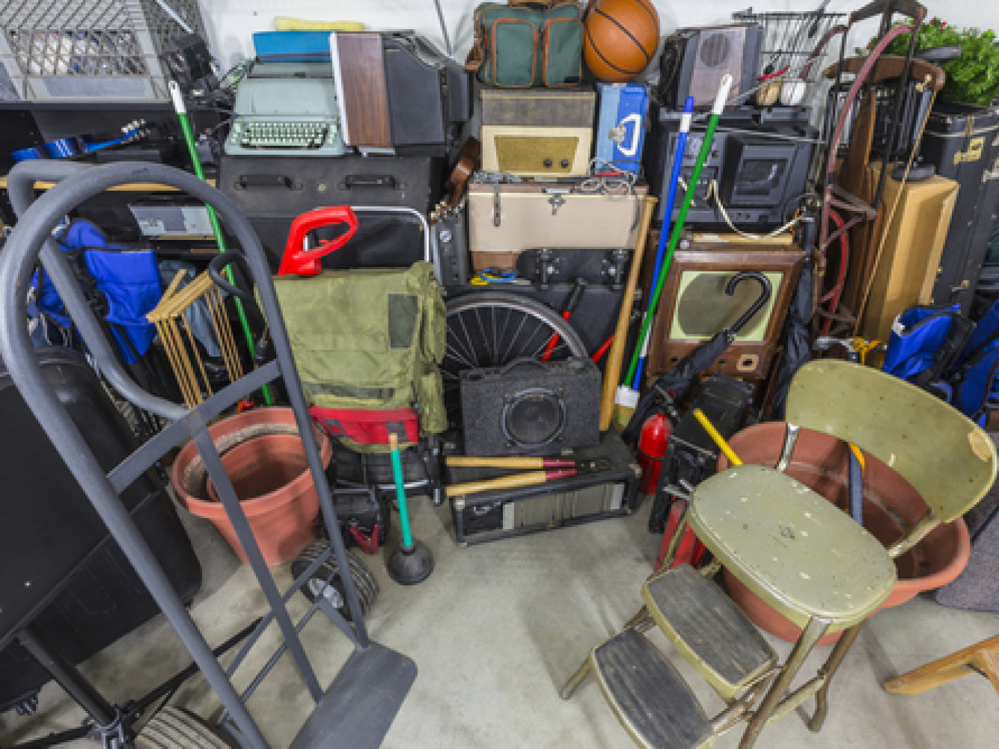 Choose Us for Compassionate Hoarding Cleanup Services